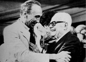 Enzo Bearzot con Sandro Pertini dopo la finale dei mondiali 1982