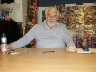 Nicholas Courtney nel 2008