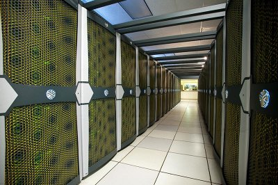Alcuni rack del supercomputer Pleiades (foto NASA)
