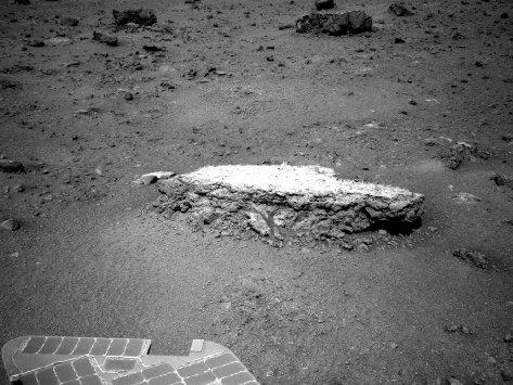 Un'immagine della roccia Tisdale 2 scattata dal Mars Rover Opportunity (foto NASA/JPL-Caltech)
