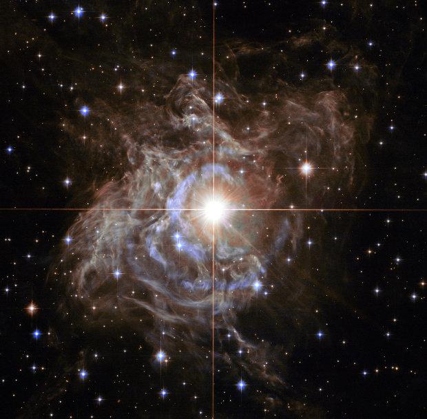 Immagine della stella variabile cefeide RS Puppis scattata dal telescopio spaziale Hubble (Immagine NASA, ESA, and the Hubble Heritage Team (STScI/AURA)-Hubble/Europe Collaboration Acknowledgment: H. Bond (STScI and Penn State University))