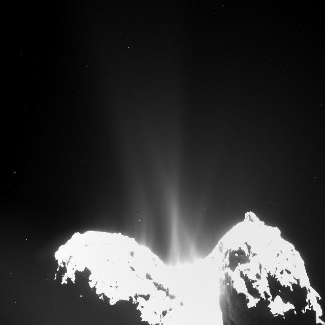 Getti di vapore e altre molecole provenienti dalla cometa 67P/Churyumov-Gerasimenko fotografati da una delle macchine fotografiche del set OSIRIS della sonda spaziale Rosetta (Immagine ESA/Rosetta/MPS for OSIRIS Team MPS/UPD/LAM/IAA/SSO/ INTA/UPM/DASP/IDA)