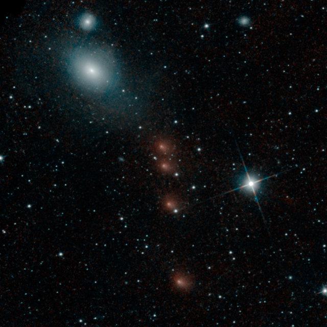 La cometa C/2013 A1 Siding Spring vista dal telescopio spaziale WISE (Immagine NASA/JPL-Caltech)