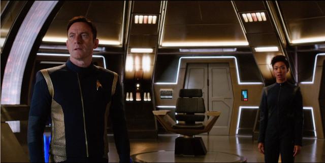 Gabriel Lorca (Jason Isaacs) e Michael Burnham (Sonequa Martin-Green) in Si Vis Pacem, Para Bellum (Immagine cortesia CBS / Netflix)