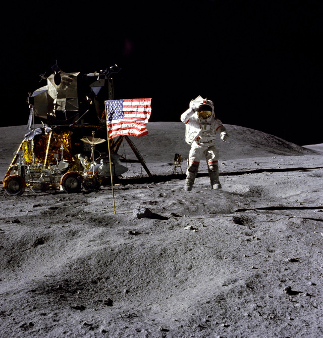 John Young sulla Luna (Foto NASA)