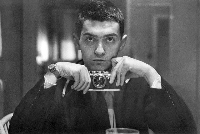 Autoscatto di Stanley Kubrick del 1949