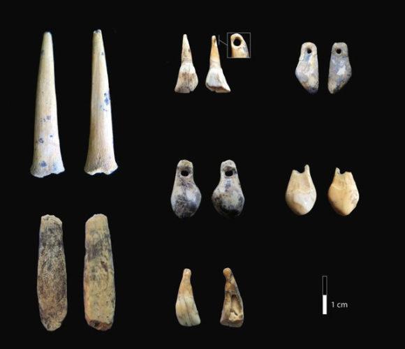 Varie popolazioni di ominini vissero nelle grotte di Denisova