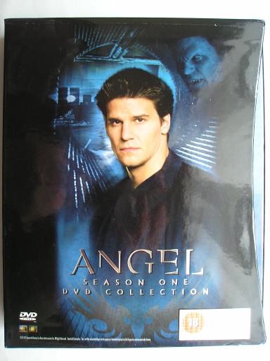 Il cofanetto di DVD della prima stagione di Angel