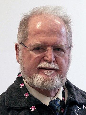 Larry Niven nel 2010 (foto ©Ceridwen)