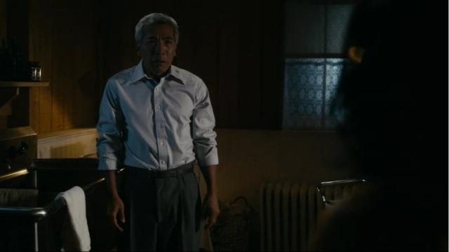 Il dottor Kitamura (Hiro Kanagawa) ne I Deboli Sono Carne (Immagine cortesia AMC Studios / Amazon. Tutti i diritti riservati)