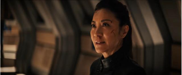 Philippa Georgiou (Michelle Yeoh) in Lontano da casa (Immagine cortesia CBS / Netflix)